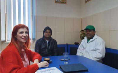 Reprezentantii firmei de recrutare a srilankezilor au venit in vizita la brutaria din Ditrau